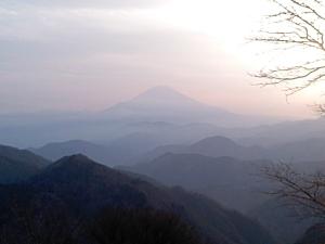 山荘から富士山を望む